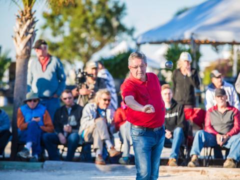 Competencia durante el festival Pétanque Amelia Island Open